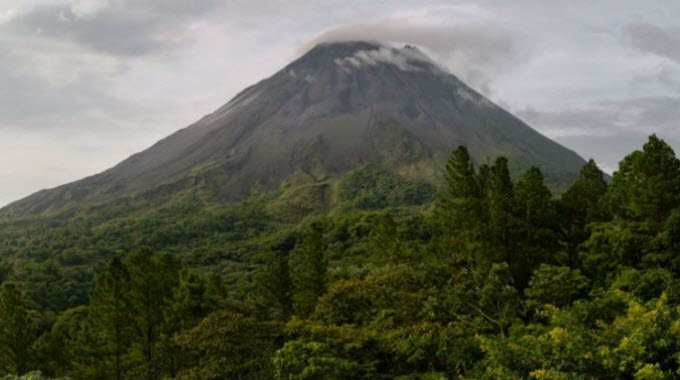 Image: Costa Rica Arenal Volcano by Christophe Meneboeuf/Wikimedia Commons