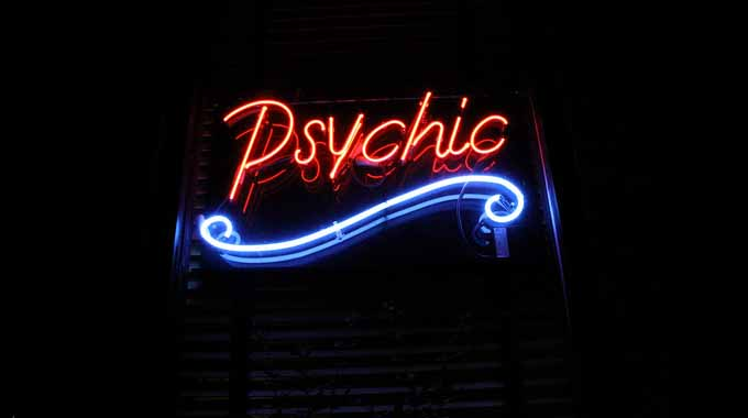 How Is Getting a Psychic Chat Reading Beneficial For You