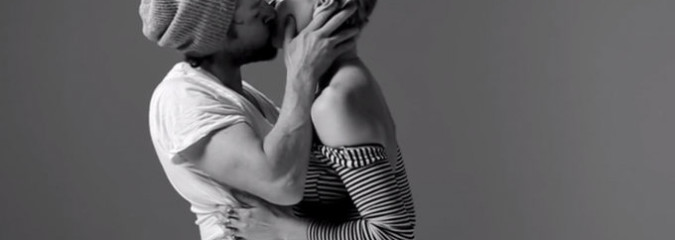 Watch As Twenty Strangers Kiss For The First Time