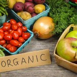 """Avoid Toxins: Go Organic or Stick With These """"Clean 15"""" Fruits & Veggies"""