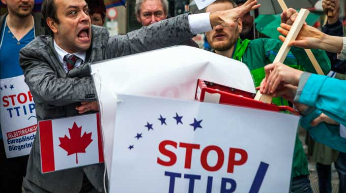 Protest against TTIP and CETA in Berlin earlier this month. (Photo: Jakob Huber/ECI Stop TTIP!/flickr/cc)