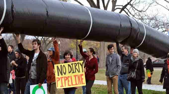"""""""The senators who voted in favor of the Keystone XL pipeline know they don't have the votes to override President Obama's veto, so ultimately this was a symbolic vote for them—a testament to their loyalty to dirty money over rational public policy,"""" said Kyle Ash of Greenpeace. (Photo: Chesapeakeclimate/flickr/cc)"""