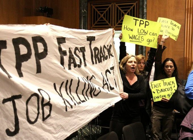 Protest at Senate Finance Committee hearing on fast track, January 2014.