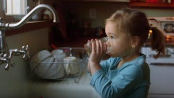 Short Film Reveals the Lunacy of Water Fluoridation