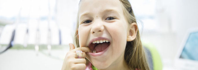Researchers Discover Herb That Fights Cavities Naturally and Effectively